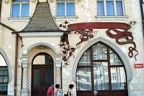 Tosca. Lázeňský dům, v němž se nyní neléčí.