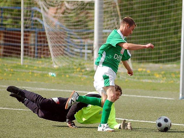 Lídr tabulky Slavia Junior potvrdil v domácím prostředí své postavení a nováčka soutěže porazil v poměru 8:2.