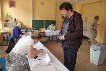 Na Základní škole Poštovní v Karlových Varech odhadovali účast kolem 30 procent.