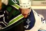 Hokejisté HC Energie (v zeleném) poměřili síly s Rytíři Kladno