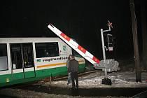 Ve středu 20. ledna ráno došlo na železničním přejezdu v Karlových Varech k dopravní nehodě.