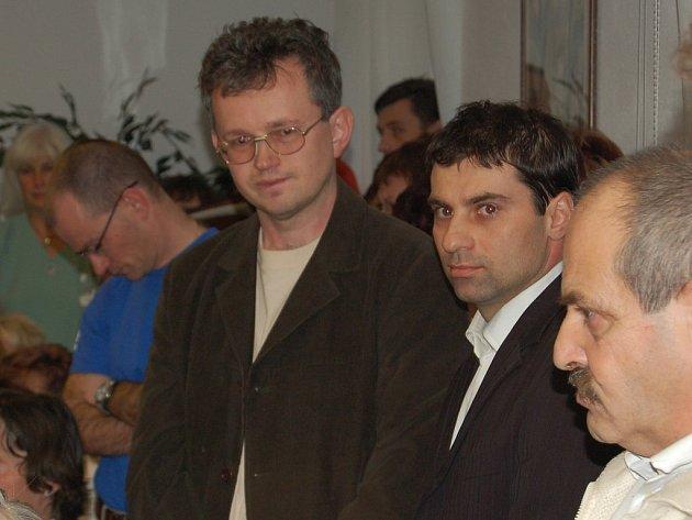 PRIMÁŘ JDE NA MATEŘSKOU. Manžel primátorky Tomáš Pospíšil (vlevo) jde na mateřskou, ale zůstává v dozorčí radě KKN.