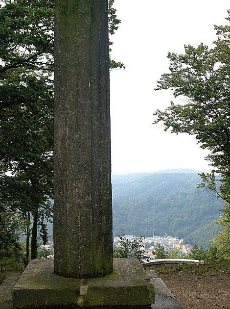 Obelisk Řeckého krále Otty I v Karlovýcj Varech bude opraven.