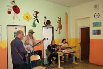 V Perninku se slavilo 75 let od vzniku české školy. Lidé si mohli prohlédnout vybavení školy a byl připraven i kulturní program.