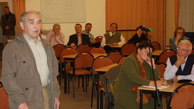 I když sálem Alžbětiných lázní zaznívaly i hlasy proti výstavbě radaru, označil Tomáš Klvaňa úterní diskusi za věcnou a užitečnou.