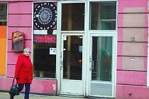 V Karlových Varech je i řada heren, které nesplňují vyhlášku.