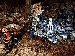Tragická dopravní nehoda kamionu u Nejdku.