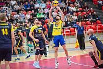Volejbalisté Karlovarska v prvním utkání čtvrtfinále Vyzývacího poháru porazili celek rumunského Zalau 3:0 na sety.