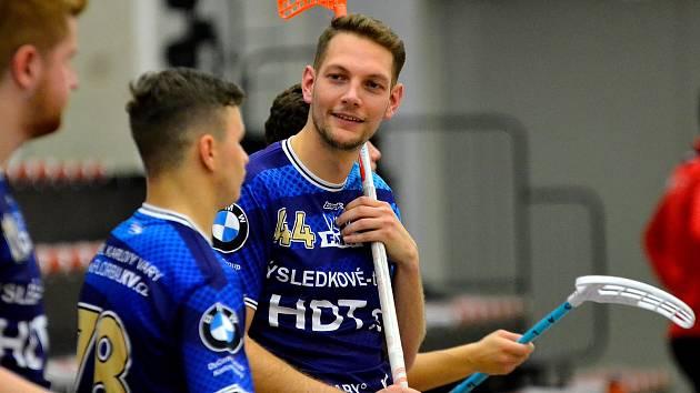 Čtvrtou výhru v 1. lize ve florbale mužů si připsali na účet hráči FB Hurrican Karlovy Vary, když porazili v podkrušnohorském derby litvínovské Bivoje v poměru 7:5.