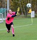 O další gólový rekord se postarali o víkendu fotbalisté FK Ostrov (v modrém), když výběr Citic (v červeném) porazili vysoko 14:0!