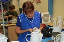 Karlovarský porcelán je v úpadku. O práci má strach téměř dva tisíce lidí.