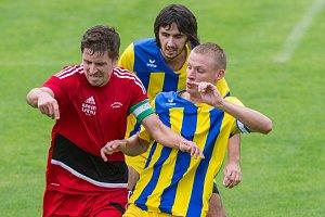 Mariánskolázeňští fotbalisté odjížděli do Plzně na hřiště Petřína s cílem urvat alespoň bodík.