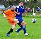 Kyselka (v oranžovém), si připsala v domácím prostředí důležitou výhru 6:1, nad týmem Potůček.