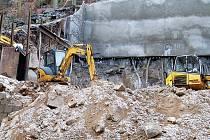 Ochranné pásmo. Pouze pod pečlivým dozorem hydrogeologů mohou firmy zasahovat do tohoto citlivého území.