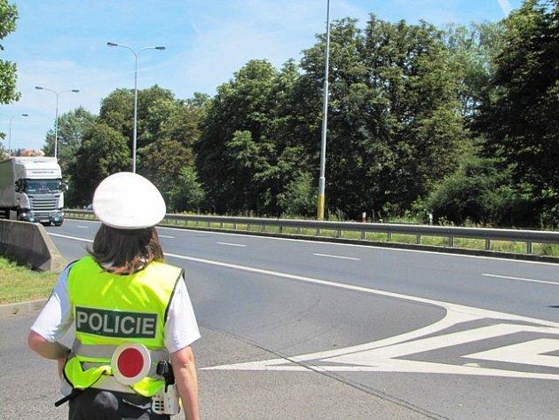 Z dopravní akce policistů zaměřené na dodržování povolené rychlosti.