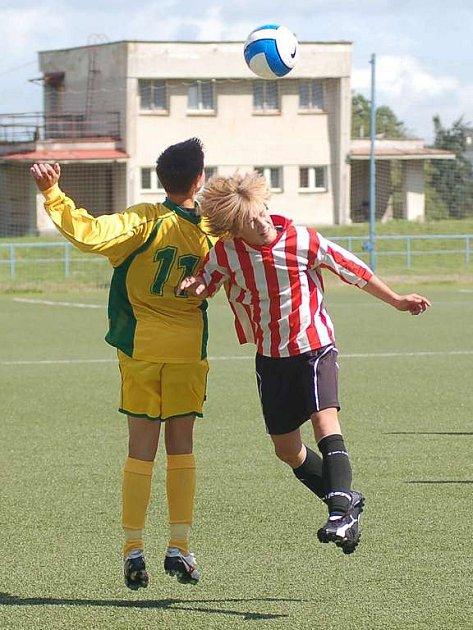 Žáci Buldoků po výhře v druhém kole Premier Cupu dál nepostoupili.