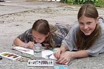 Skupina šestnácti dětí se týden věnovala výtvarným aktivitám přímo v prostorách galerie.