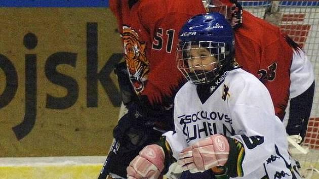 Dva zápasy odehrála karlovarská děvčata o minulém víkendu.