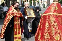 Vzácná ikona doputovala ve středu z Ruska do pravoslavného kostela svatého Petra a Pavla v Karlových Varech.
