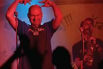 Fanánek vystoupí nejen jako regulérní člen Tří sester, ale navíc jako host do pauzy, kdy se pochlubí čtyřmi písněmi ze svého nového alba Jevany.