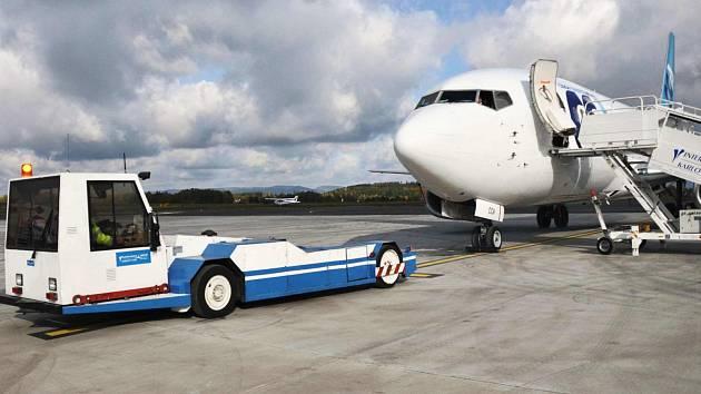 Pokles odbavených cestujících se promítl do ekonomiky letiště.