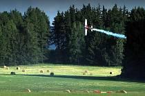 """Poprvé v historii Karlovarského kraje a """" západu"""" Čech vůbec se v Toužimi od 2. do 12. září sejde světová letecká elita, která se utká o titul mistra Evropy v akrobatickém létání, EAC 2010."""