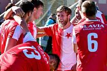 Karlovarská Slavia na dvorském stadionu porazila v derby rezervu pražské Slavie 3:1.