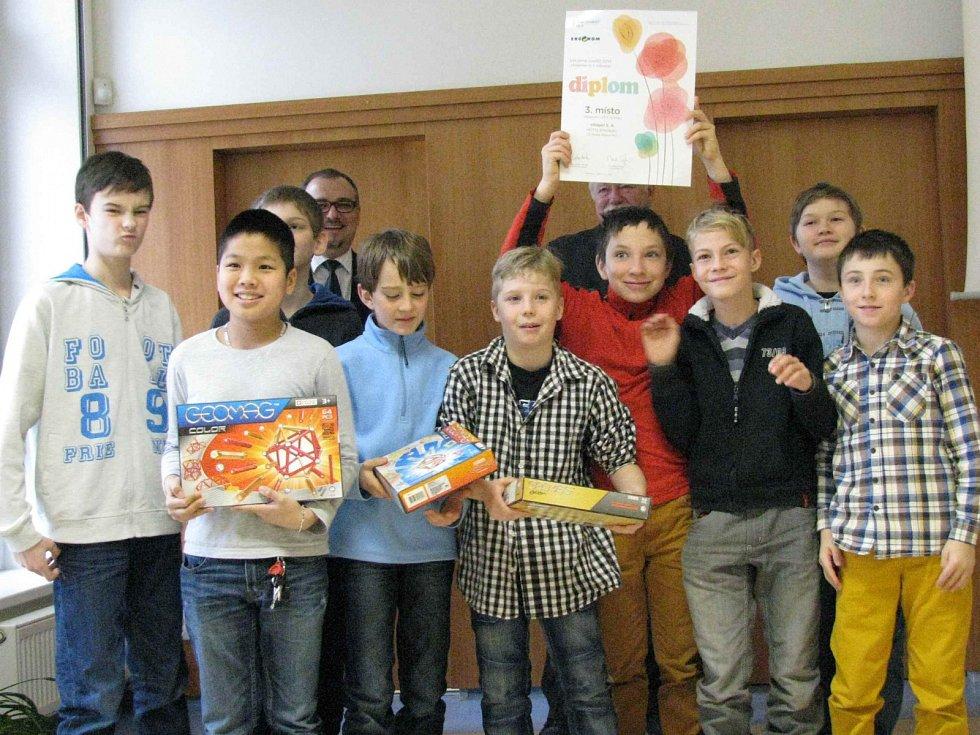 Součástí vyhlášení Ligy odpadů bylo rovněž ocenění účastníků výtvarné soutěže žáků základních, středních a uměleckých škol.