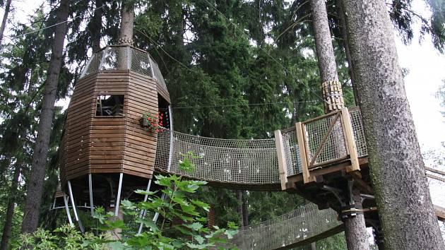 Pro veřejnost jsou otevřené stromové domky na Linhartu.