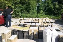 Skrýš, kterou objevili celníci v dodávce na Karlovarsku