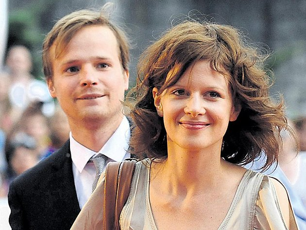 Herečka Karolina Gruszka s kolegou Kryštofem Hádkem uvedli film 3 sezóny v pekle.