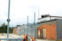 Přestože byla dokončena rekonstrukce stávající odbavovací haly, modernizace letiště ještě zdaleka nekončí.