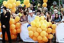 Filmový festival přiláká do Karlových Varů opět tisíce fanoušků stříbrného plátna.