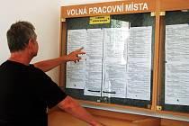 V Karlovarském kraji opět přibylo lidí bez práce, najít volné místo je čím dál těžší.
