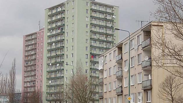 Pouze posledních pár domů s regulovaným nájemným vlastní nyní Karlovy Vary. Nájem se v nich zvyšovat nebude. (Ilustrační foto.)