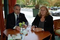 Členové delegace ze slovenských lázní Piešťany Josef Provázek a Erika Chudá si projekt Thermae Europae nemohou vynachválit. Díky němu mohli odprezentovat své město.