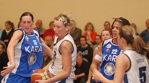 Po neúspěšném play off A týmu Lokomotivy s Trutnovem tak bude opět v hale na Jízdárenské k vidění pořádný boj.