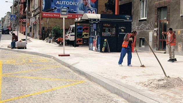 Rekonstrukce Sokolovské ulice už za pár dní skončí. Vše se vrátí do normálu.