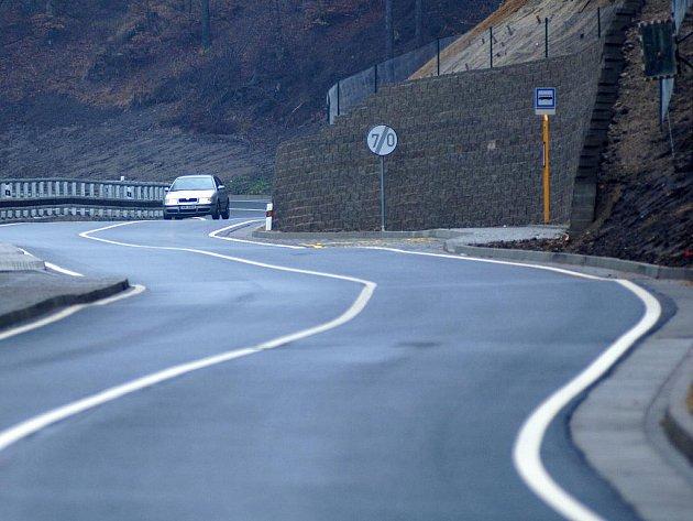 Rekonstrukce silnice do Pstruží byla dokončena.