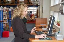 Vyhledávání knih je v krajské knihovně také velice jednoduché, což si pochvalují i samotní návštěvníci.