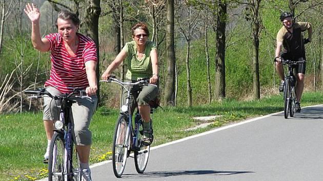 Milovníci cyklistiky jásají: Karlova stezka se stále rozrůstá a zlepšuje.