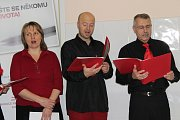 Varský sbor zpíval dárcům krve