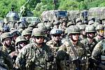 Čtvrtina armády cvičí za humny