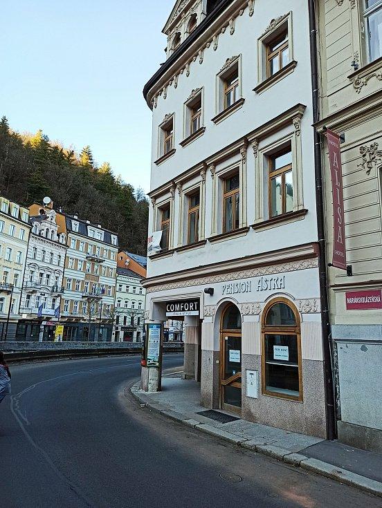 Kdo si chce pronajmout obchody na lukrativní adrese Nová Louka Karlovy Vary, která se nachází blízko Grandhotelu Pupp?