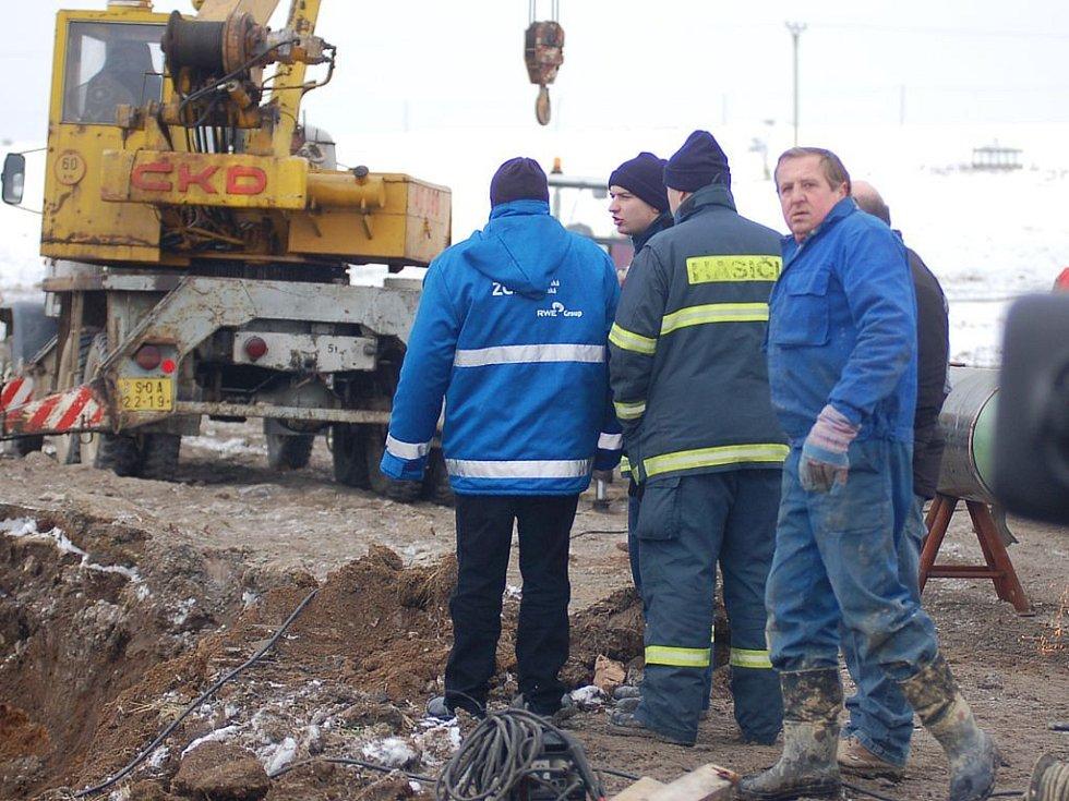 Oprava plynovodu v Křepkovicích na Tepelsku.