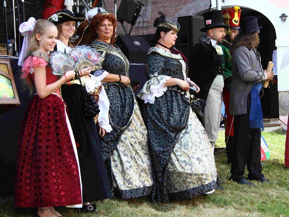 Historické slavnosti v Bečově přilákaly tisíce lidí.