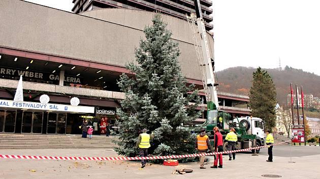 Karlovarský vánoční strom 2019