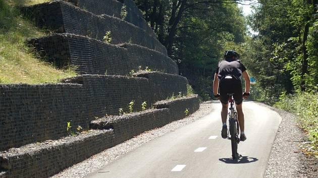 Cyklisté v Karlovarském kraji opět dostanou šanci vypůjčit si drážní kola.