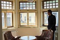 FESTIVALOVÍ hosté využijí i jeden ze dvou pokojů, které vznikly ve věžích Národního domu po jeho rekonstrukci.