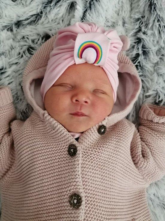 Rozálie Michaela Volfová z Karlových Varů se narodila v karlovarské porodnici 7. září v 8:10 hodin rodičům Michaele a Miroslavovi. Po příchodu na svět vážila jejich prvorozená dcera 3670 gramů a měřila 49 centimetrů.